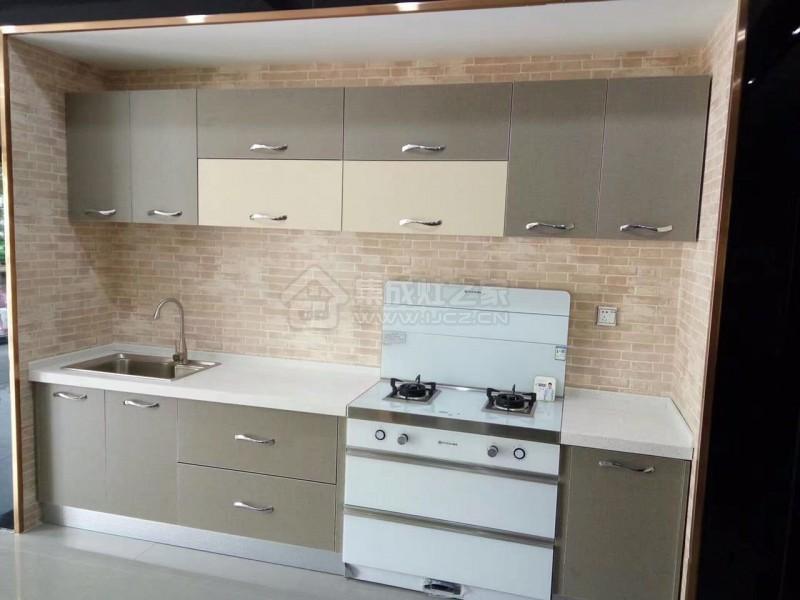 集成灶安装也很简单,给小厨房整洁统一的感觉.