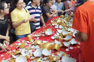 科大集成灶大摆夜宴,100个金蛋现场全部砸完!